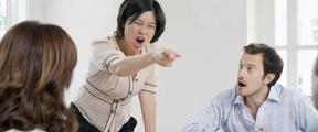 """大妈和同事吵架被""""气死"""" 家属索赔21万"""