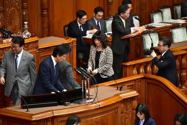 日本政府就扩大引进外国劳动者确定基本方针