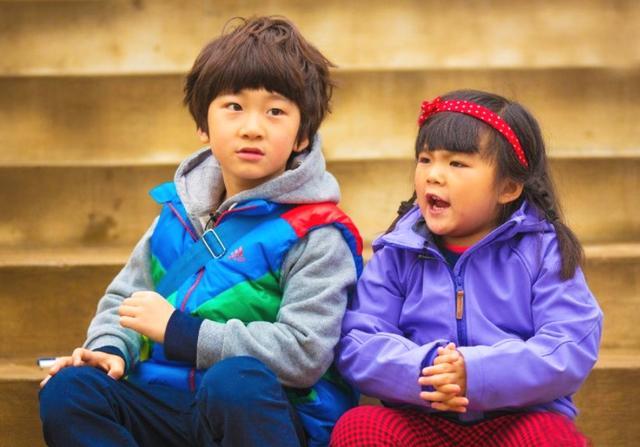 王诗龄九岁自己下厨,煮速冻水饺果腹,网友:家里难道没有保姆么