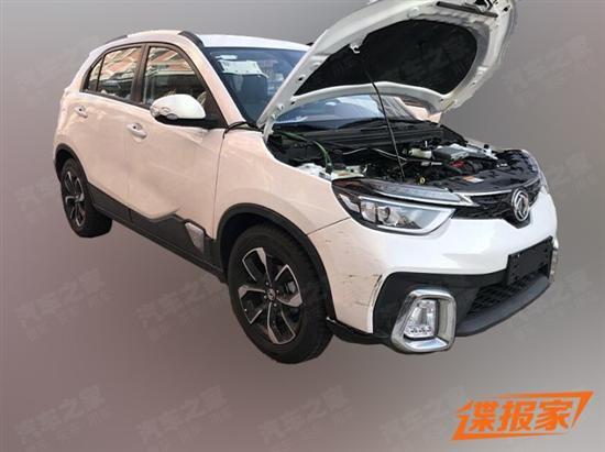 搭载1.0T和5MT 东风风神AX4新车型谍照