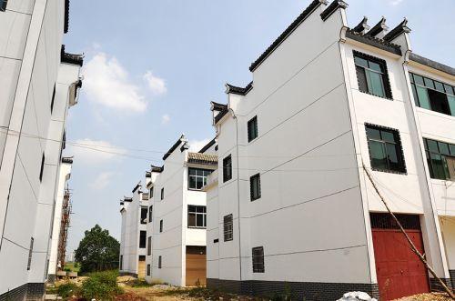 广州旧村改造鼓励采用先收购房屋后回购方式补偿
