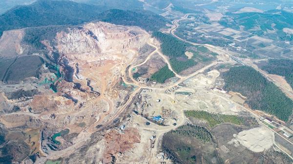 常州金坛森林遭砍伐堆矿渣:始作俑者查无主 生态修复待加速