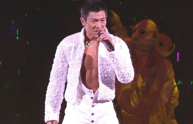 刘德华的艺人品格,演唱会出这件事,他维护的还是粉丝!