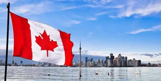 印媒:今年7609名中国人入籍加拿大 增幅27%