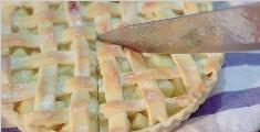 教你制作外皮酥脆果肉香甜的苹果派