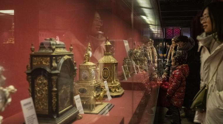 美媒:中国明清皇室钟表受追捧 海外古玩市场仿品增多