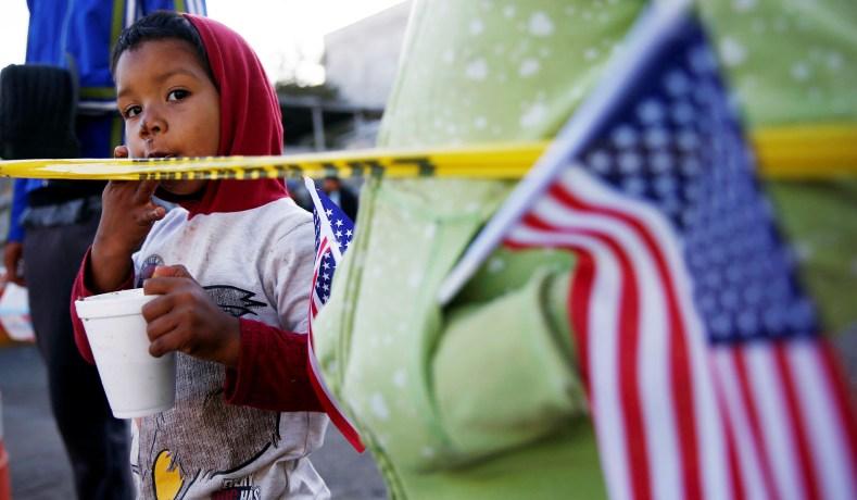 美国海关及边境保护局:对所有被扣留移民儿童作医疗检查