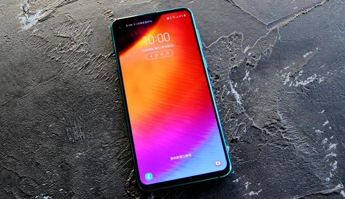 三星Galaxy A8s图赏:三星首款黑瞳全视屏手机