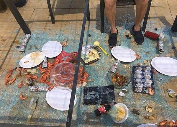 你的圣诞并不算糟!国外网友分享节日灾难照片