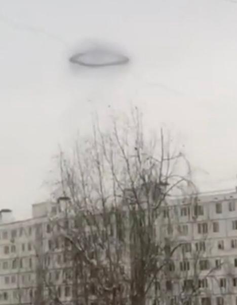 莫斯科上空惊现黑色圆环 目击者称疑似UFO