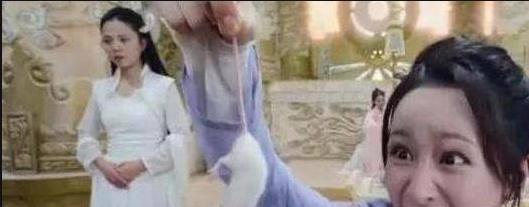 杨紫拍戏错把真老鼠当道具,网友:看到杨紫的反应实在是可爱