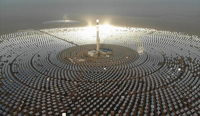 中新社:中国首个百兆瓦级熔盐塔式光热电站并网发电