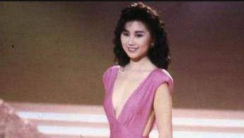 """她曾被称为""""亚洲皇后"""",离婚原因实在奇葩,今51岁回归初恋怀抱"""