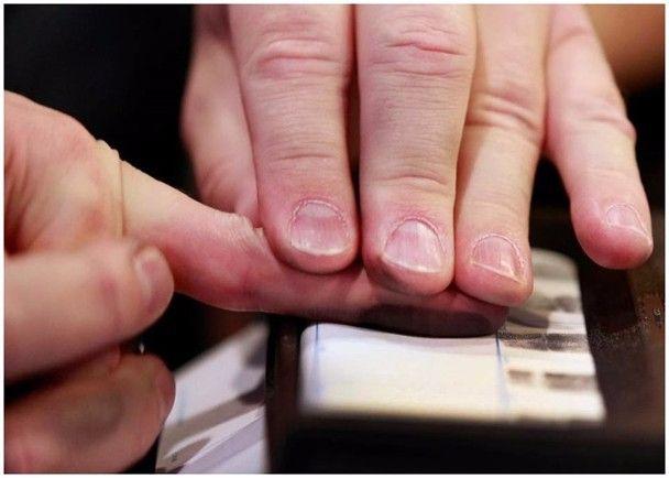 美大学成功研发人工指纹 可入侵逾三成智能手机