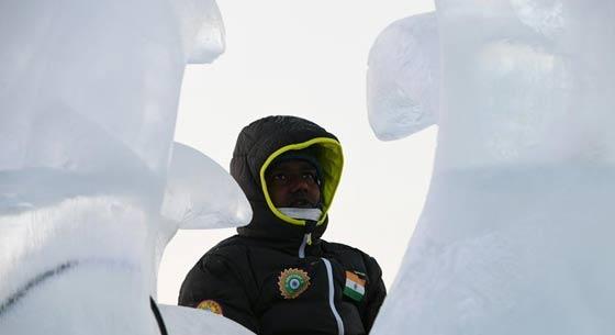 哈尔滨:精美绝伦的冰雕艺术
