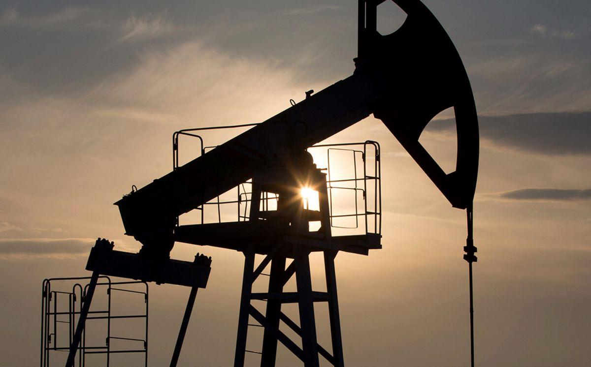 国际油价跌幅超四成致联合石化巨亏