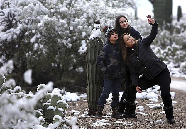 美得州遇零下30度五年来最低温 皑皑白雪覆盖沙漠