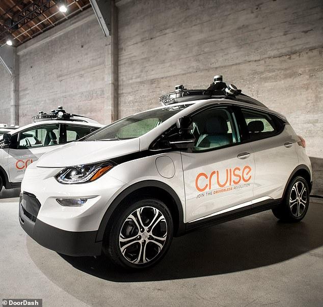 外卖公司和通用合作 旧金山首迎自驾车送餐服务
