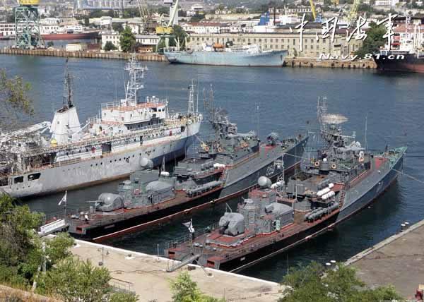 """俄海军基地将部署""""无缝之盾""""对付水下无人机"""