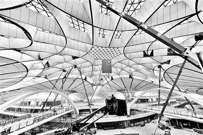 北京大兴国际机场内装修完成80% 地下一层可换乘高铁地铁