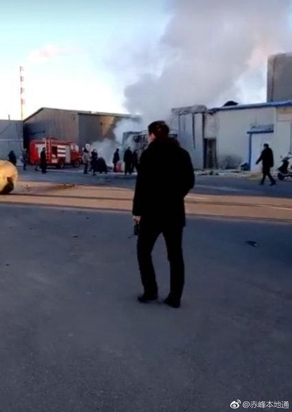 内蒙古赤峰一豆制品店疑似私制蒸气发生器爆炸致1死2伤