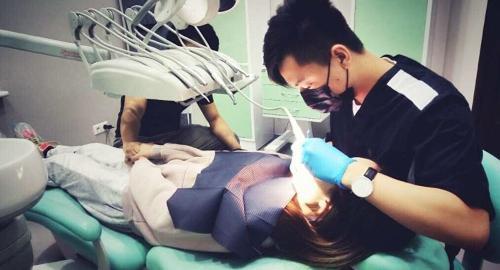 俄媒:中国人在俄当口腔医生 称解除患者病痛是行医之本