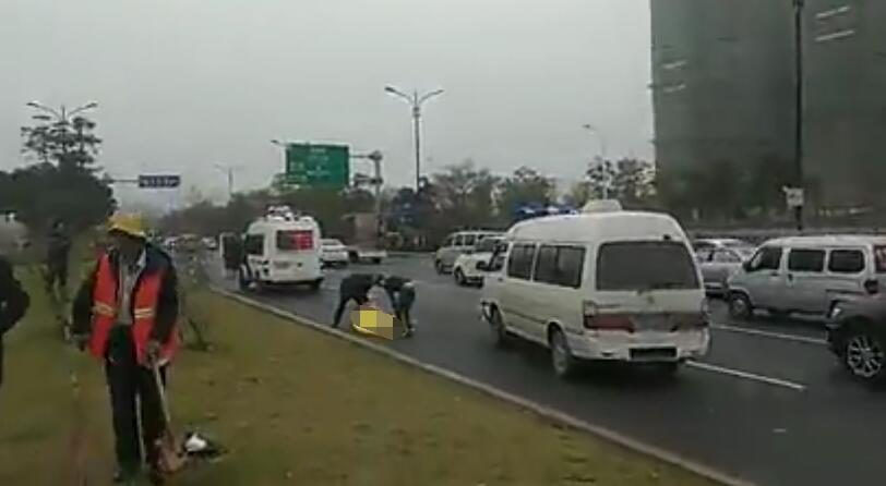 bob电竞:晋江一环卫女工被撞身亡,肇事司机已被控制