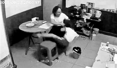 深圳虐童案举报者遭公司解聘 否认曝光视频为报复