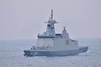泰国海军由韩国建造最新隐形护卫舰和泰海军会师