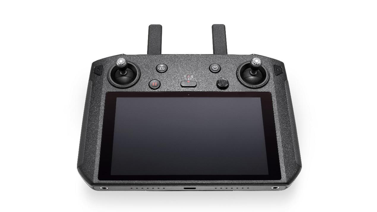 大疆发布适配Mavic 2的带屏遥控器 售价3988元