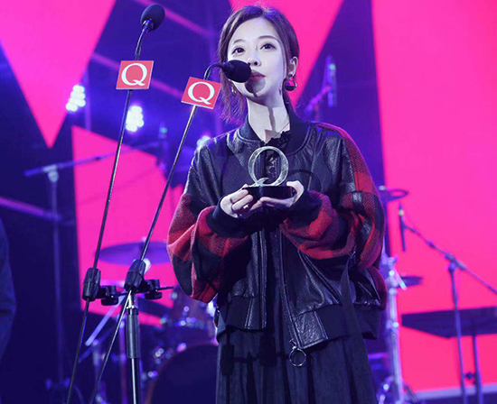 冯提莫再获音乐奖项 歌手身份得认可