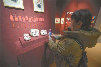 """南京博物院""""猪文物展""""开展 展出80多件文物"""