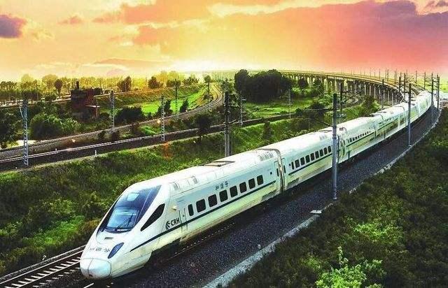 我国高铁营业里程超2.9万公里