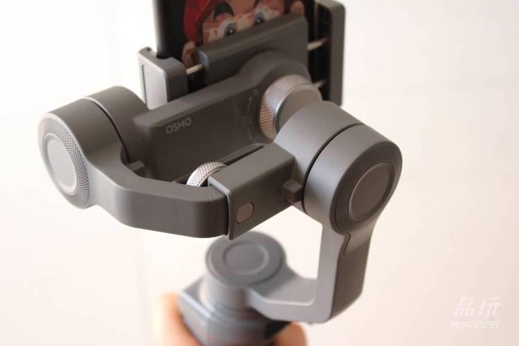 大疆的Osmo Pocket,所有细节都是冲着干掉GoPro去的
