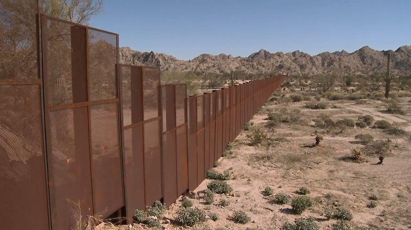 白宫助手承认:给边境墙埋单的将是美国纳税人