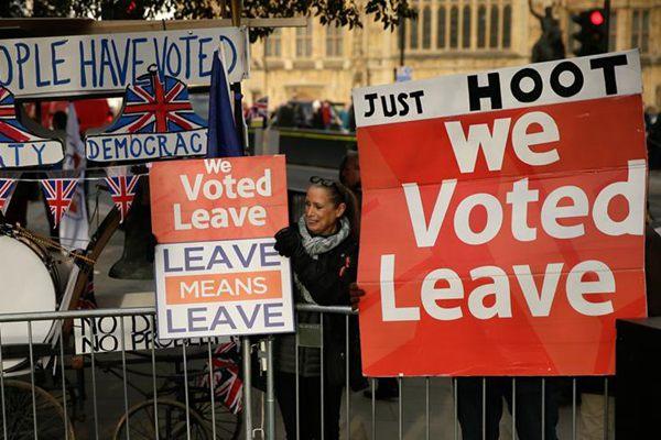 """英国议会将于下周就""""脱欧""""协议举行投票"""