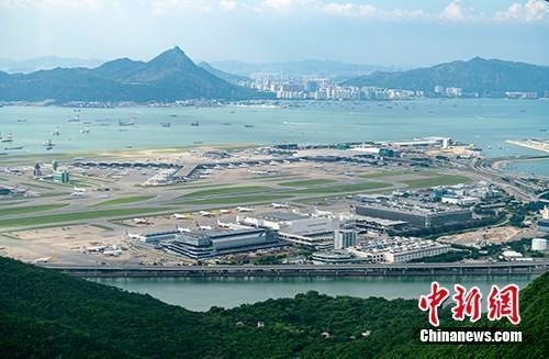 """香港机场""""天际走廊""""2020年启用 更改登机闸口号"""