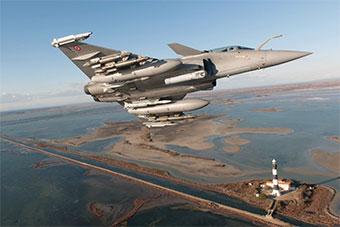 法国海军接受最新升级的阵风F3R战斗机