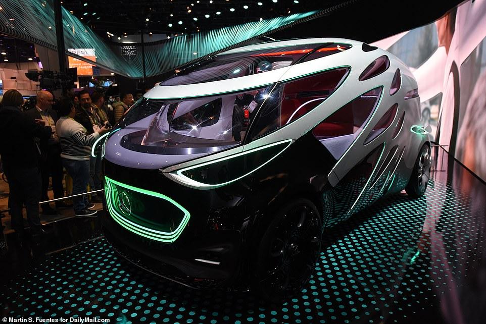 奥迪和迪士尼共创合作无人驾驶汽车内VR新体验游戏