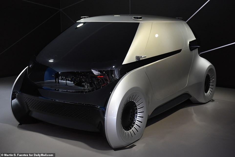 奥迪和迪士尼共创互助无人驾驶汽车内VR新体验游戏