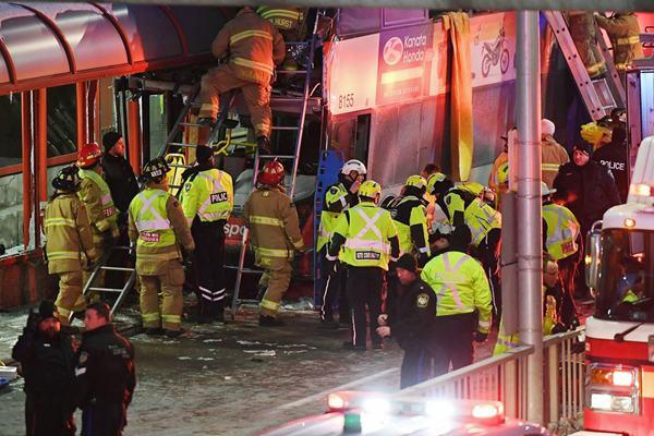加拿大首都发生严重车祸 至少3人死亡23人受伤