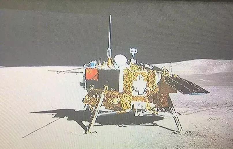 揭秘:五星红旗闪耀月背的台前幕后