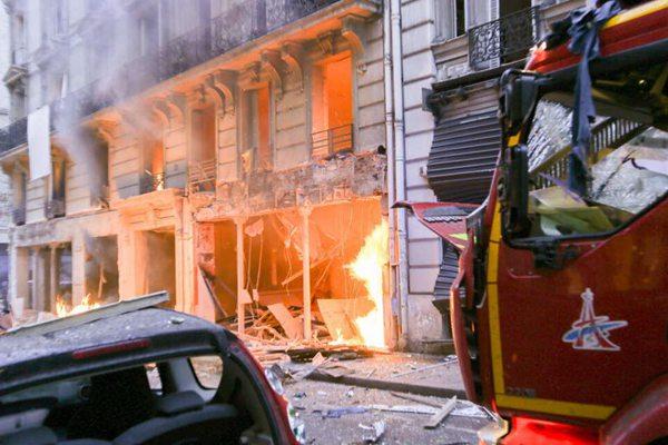 巴黎爆炸事故已致2名消防员死亡 多人受伤