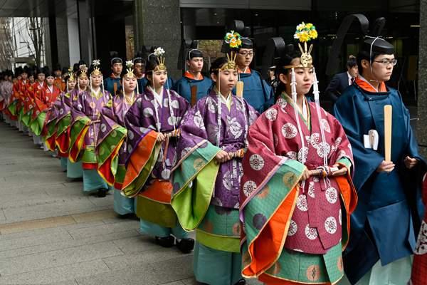 日本大学生参加成人礼 现场仪式感满满