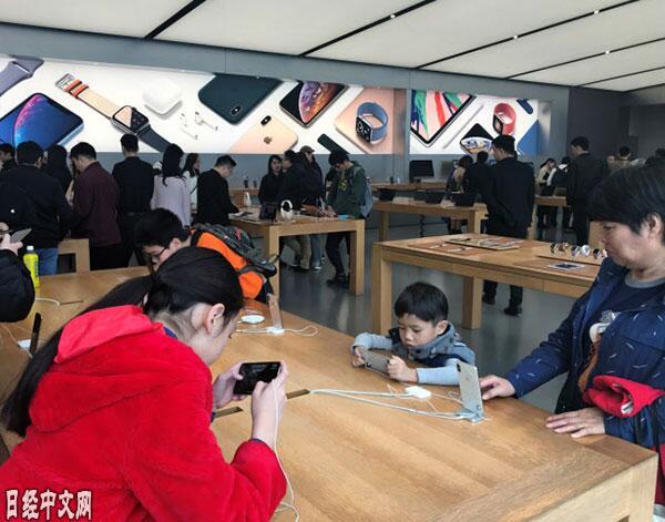 iPhone在中国市场降价 一贯强势的苹果怎么了?