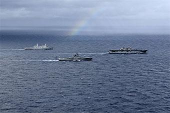 日本出动两栖舰和美国黄蜂号两栖战斗舰联合演习