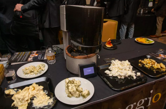 CES2019:Fromaggio智能奶酪机让你可在家制作奶酪