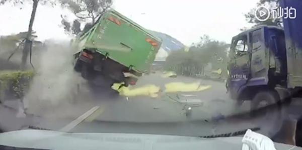 广东一货车先后与四车相撞致一人死亡 肇事人被控制