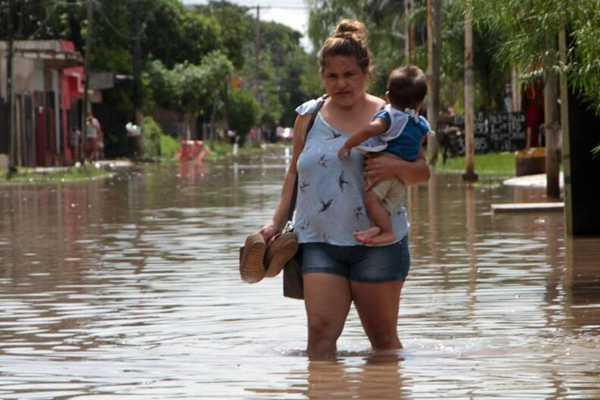 阿根廷中西部连续遭遇强降雨 造成4人死亡数千人被疏散