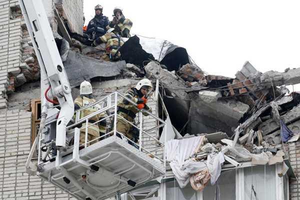 俄罗斯托夫州一居民楼发生燃气爆炸 已致1人遇难